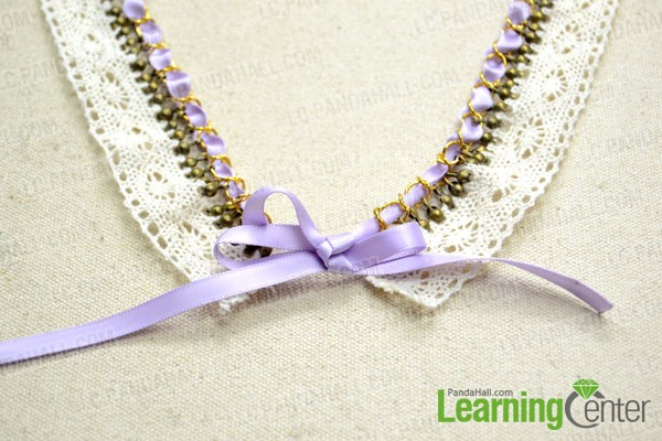 Wear the lace collar necklace