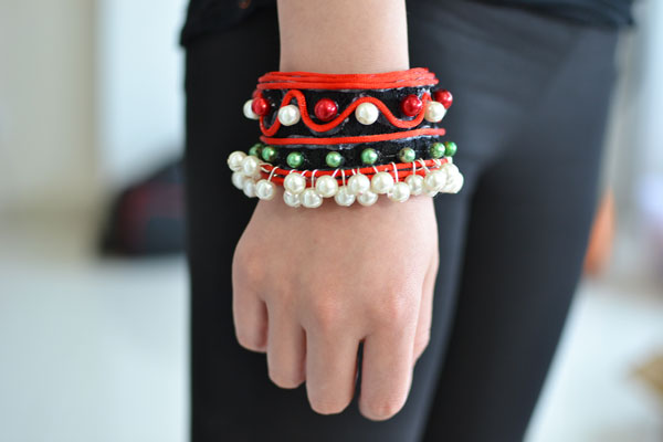 final look of the red ethnic bracelet