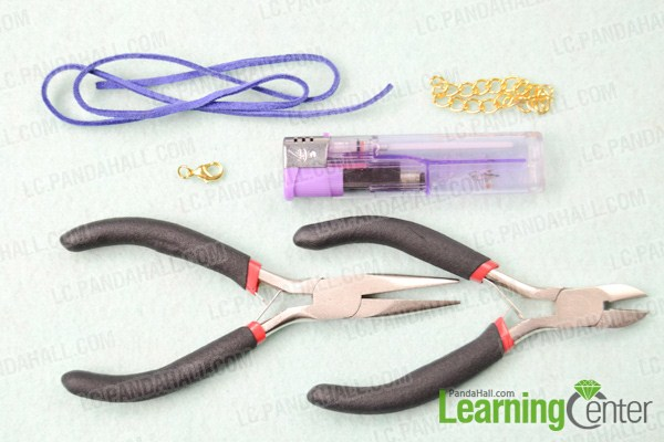 Materials on how to make knot bracelet