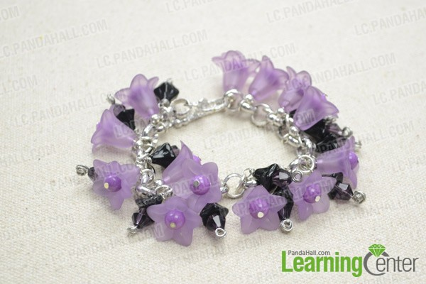 Finally the charm bracelet will look like this: