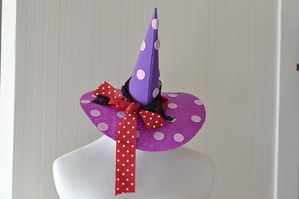 final look of the Halloween witches' hat