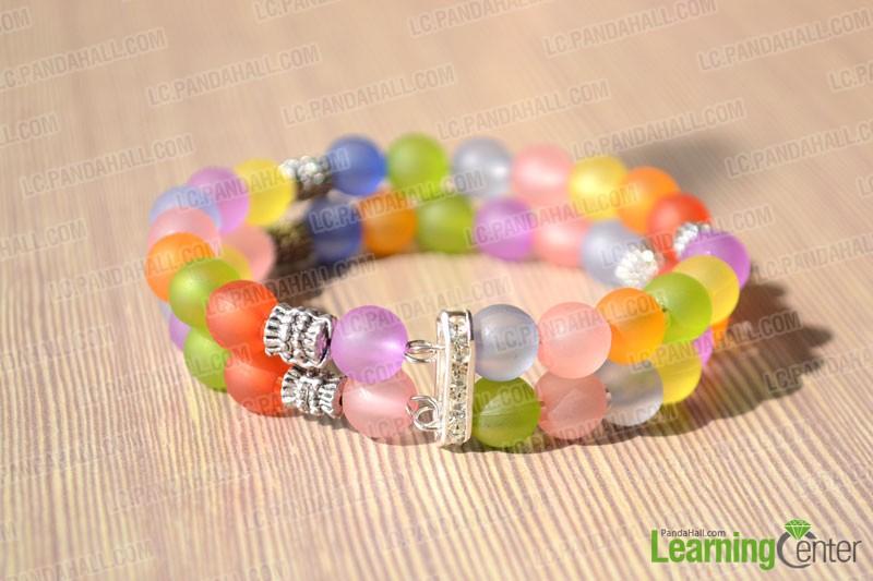 The final look of beaded bracelet