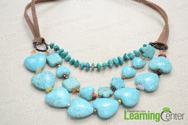 The finished multi-strand turquoise bead necklace is like this: