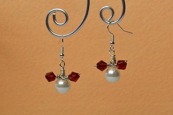 final look of the easy mickey beaded drop earrings