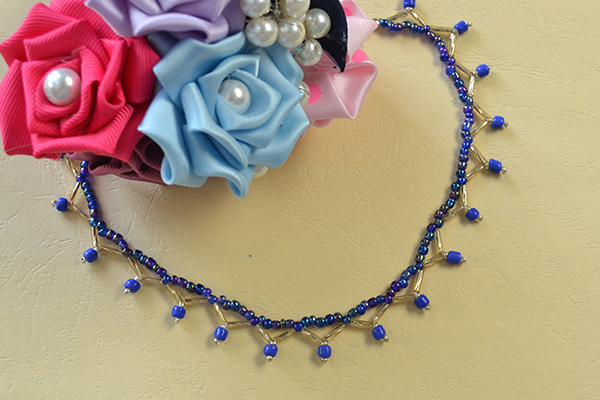 final look of the homemade blue seed beaded anklet