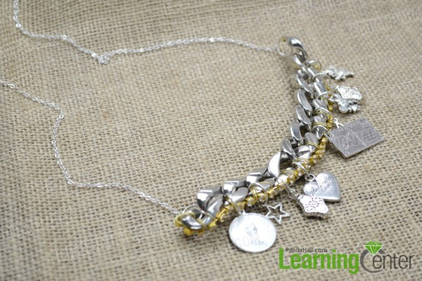 Finally the chunky chain stamen necklace looks like: