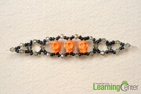 Make the other half beaded chain for the skull beaded bracelet