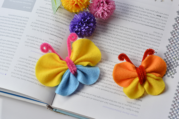 I made another butterfly hair clip in the same way. Lovely, aren't they?