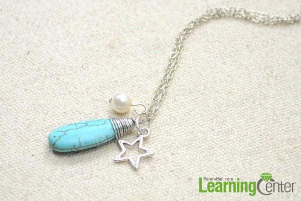 Comment faire un collier de charme d licat avec des - Comment faire un bracelet avec des boutons ...