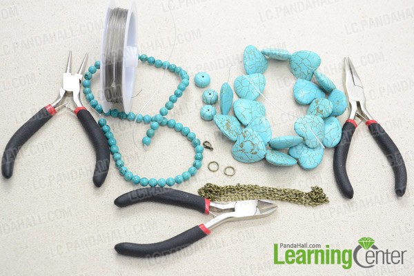 Materials and tools for the beaded chain necklace: