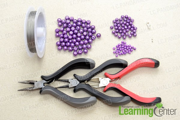 Supplies needed for making the pearl collar necklace