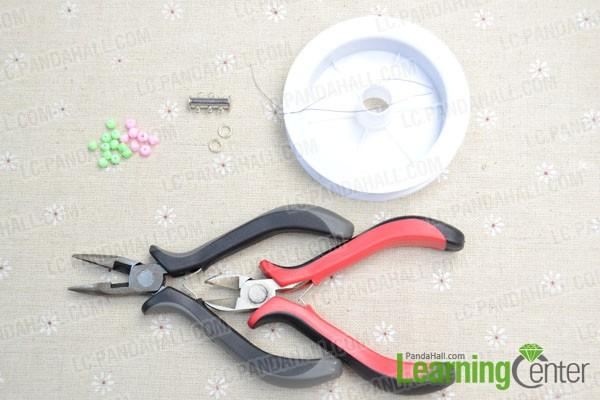 materials for making the beaded bracelet