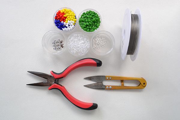 supplies needed in making the handmade rainbow beaded bracelet