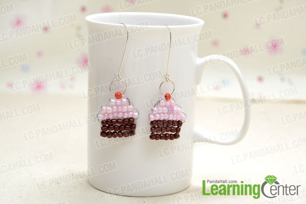 free seed bead earrings pattern based on a sweet treat