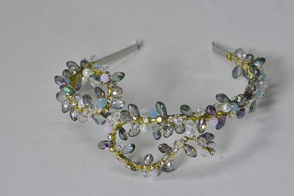 final look of the bling beaded headband