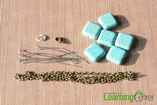 materials in  turquoise bead bracelet