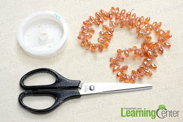 Supplies needed in making the glass bead bracelet