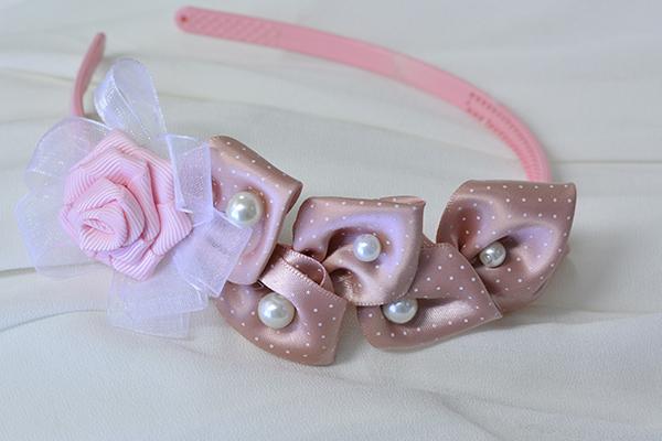 final look of the pink ribbon headband