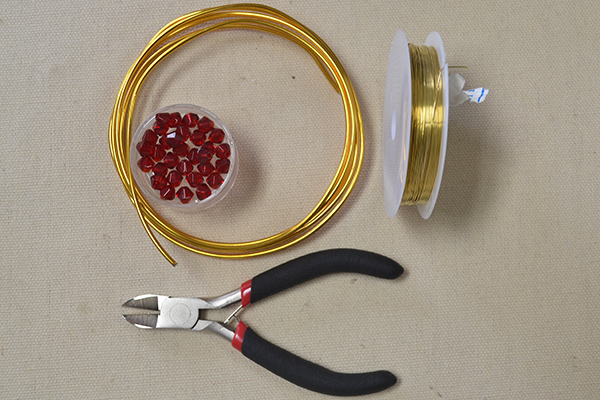 materials needed in DIY the wire wrapped red bead bracelet