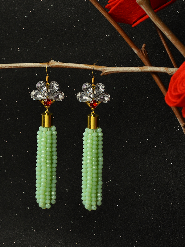 the finished green tassel earrings: