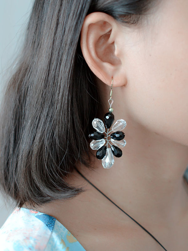 final look of the white and black glass bead earrings