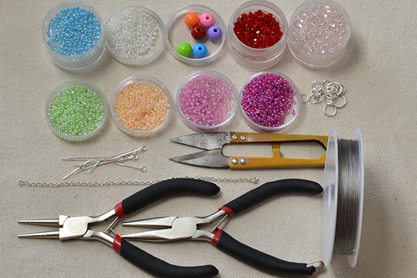 supplies needed in DIY the seed bead flower necklace patterns