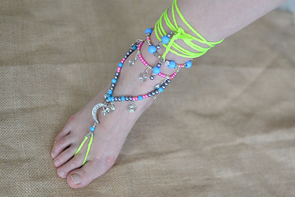 final look of the candy color Tibetan anklet