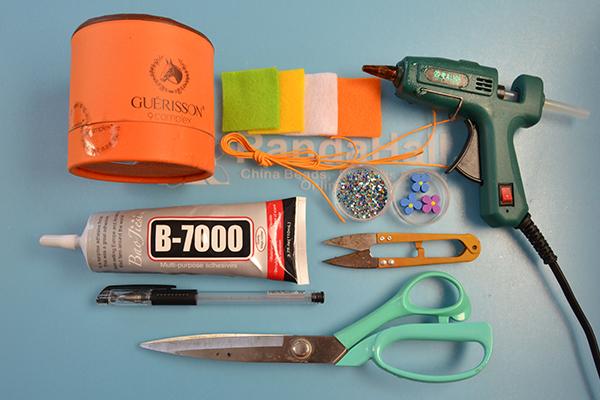 supplies needed in DIY the orange felt storage box