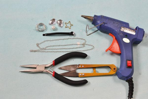 Supplies in making a flower hair clip