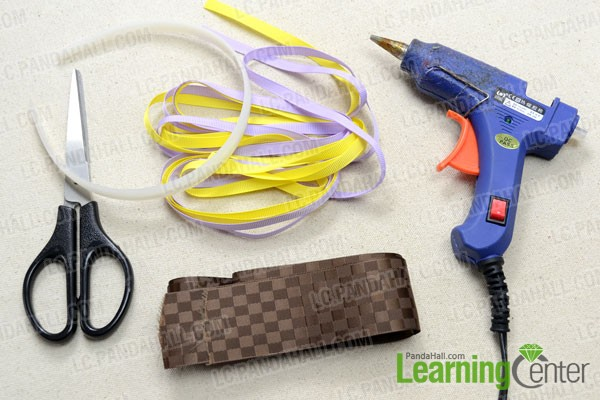Supplies needed in the easy to make headbands