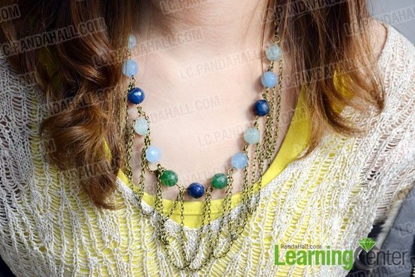 wear the bead and chain necklace