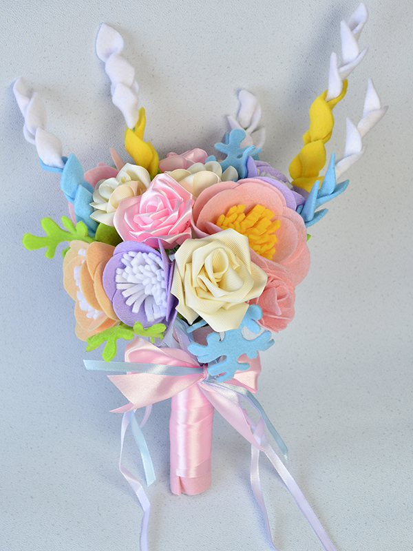 final look of the felt and ribbon wedding bridal flower bouquet