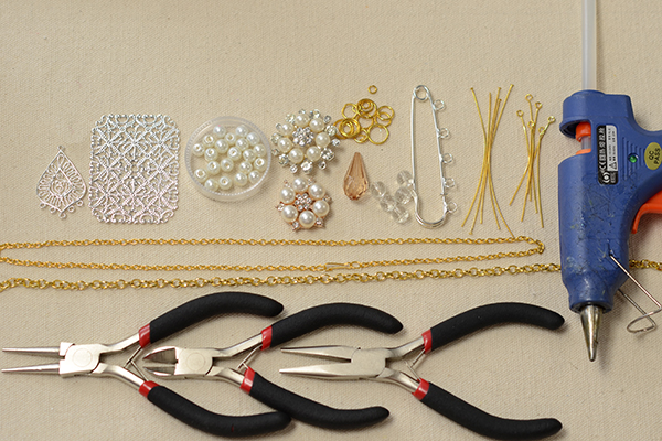 Supplies in making the gold waist chain with tassels and dangle designs: