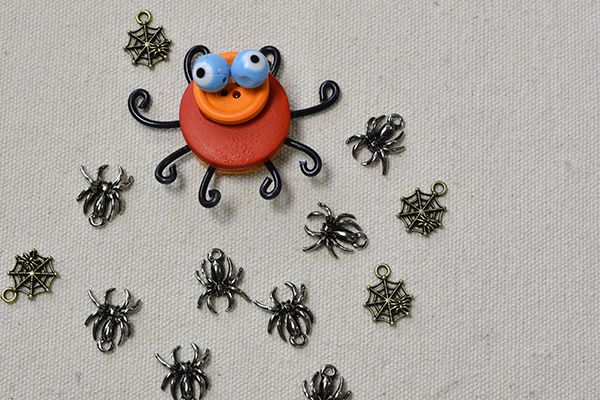 final look of the orange colored spider with black legs for Halloween