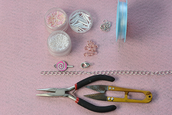 supplies needed in DIY the bead cupcake keychain
