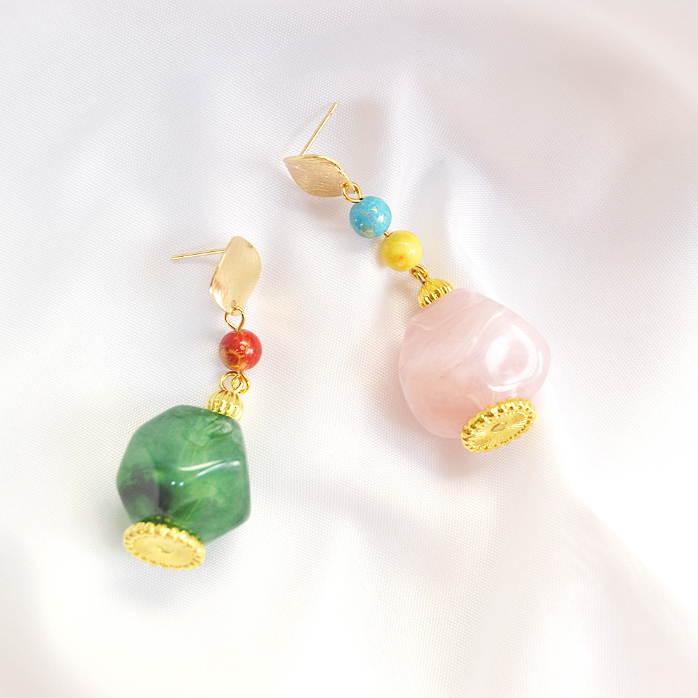 Acrylic beads earrings.