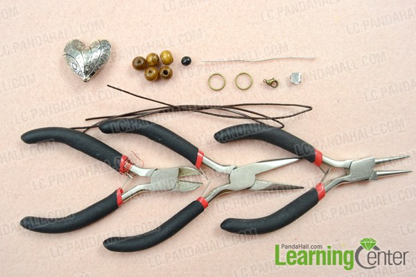 Materials on how to make a braided leather necklace