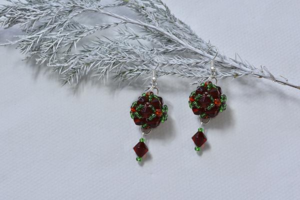 final look of the Christmas beaded ball drop earrings
