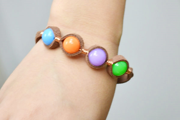the final look of suede cord bracelet with beads