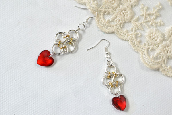 Time for the final look of the heart pendant earrings