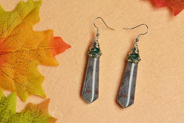 Here is the final look of the cool bullet gemstone bead earrings: