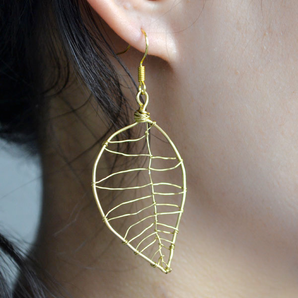 the final look of the leaf design earrings