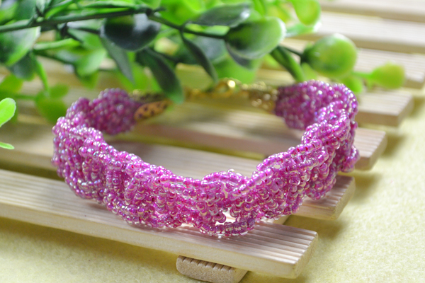 final look of the handmade woven seed beaded bracelet ideas