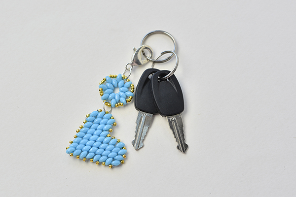 Here is the final look of the beading heart keychain: