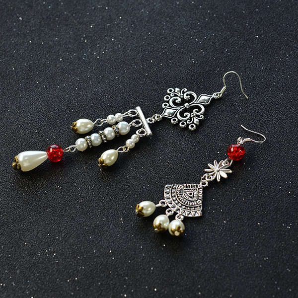 final look of the asymmetry vintage style drop earrings