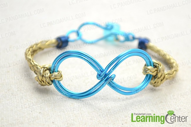 The final look of leather bracelet