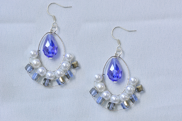 Here shows the final look of the crystal hoop drop earrings for summer: