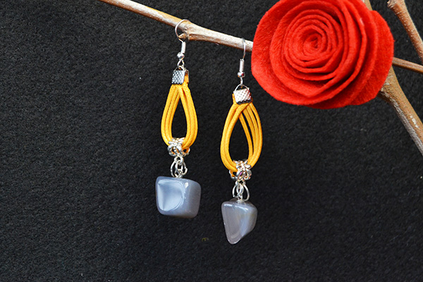 the final look of the gemstone dangle earrings