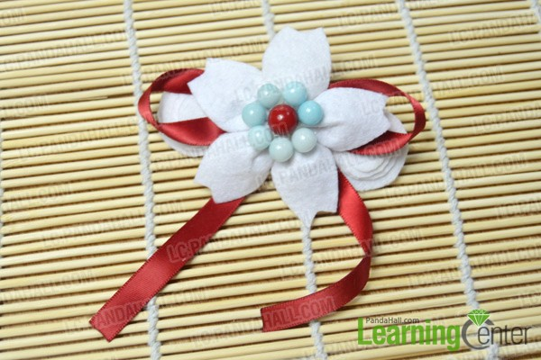finished felt flower hair clip