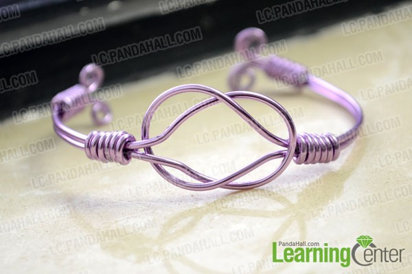 finished sailor knot bracelet by using wire